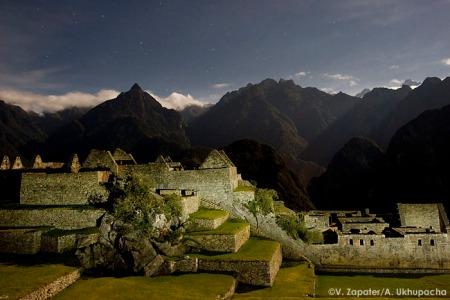 Machu Picchu de nit, Cusco, Perú. Machupicchu in a moon night, Cusco, Peru
