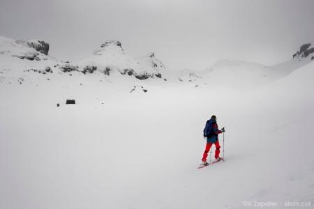 Ruta amb raquetes des de El Portalet fins el pic Cuyalaret (Formigal, Pirineus). Snowshoe route from El Portalet to Cuyalaret peak (Formigal, Pyrenees)